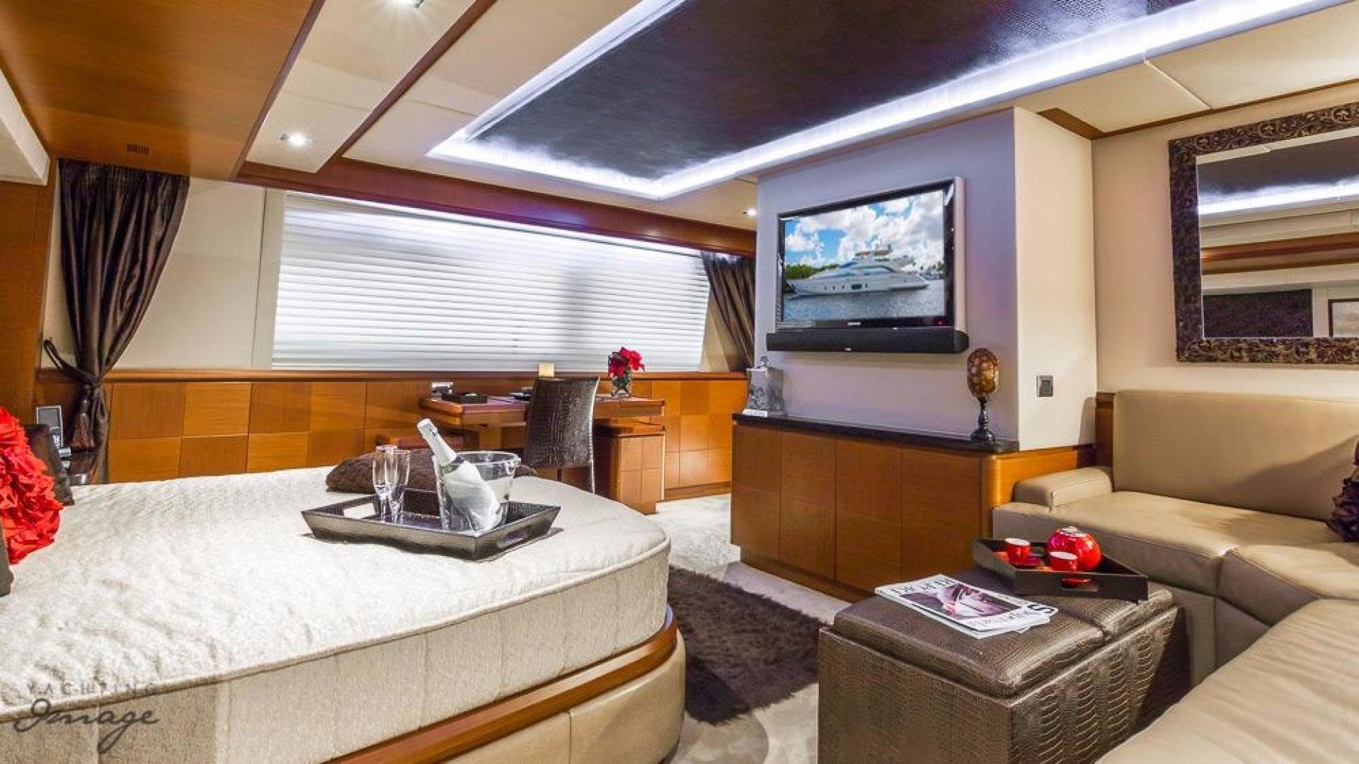 2005 Azimut 105' 105  | Picture 7 of 35