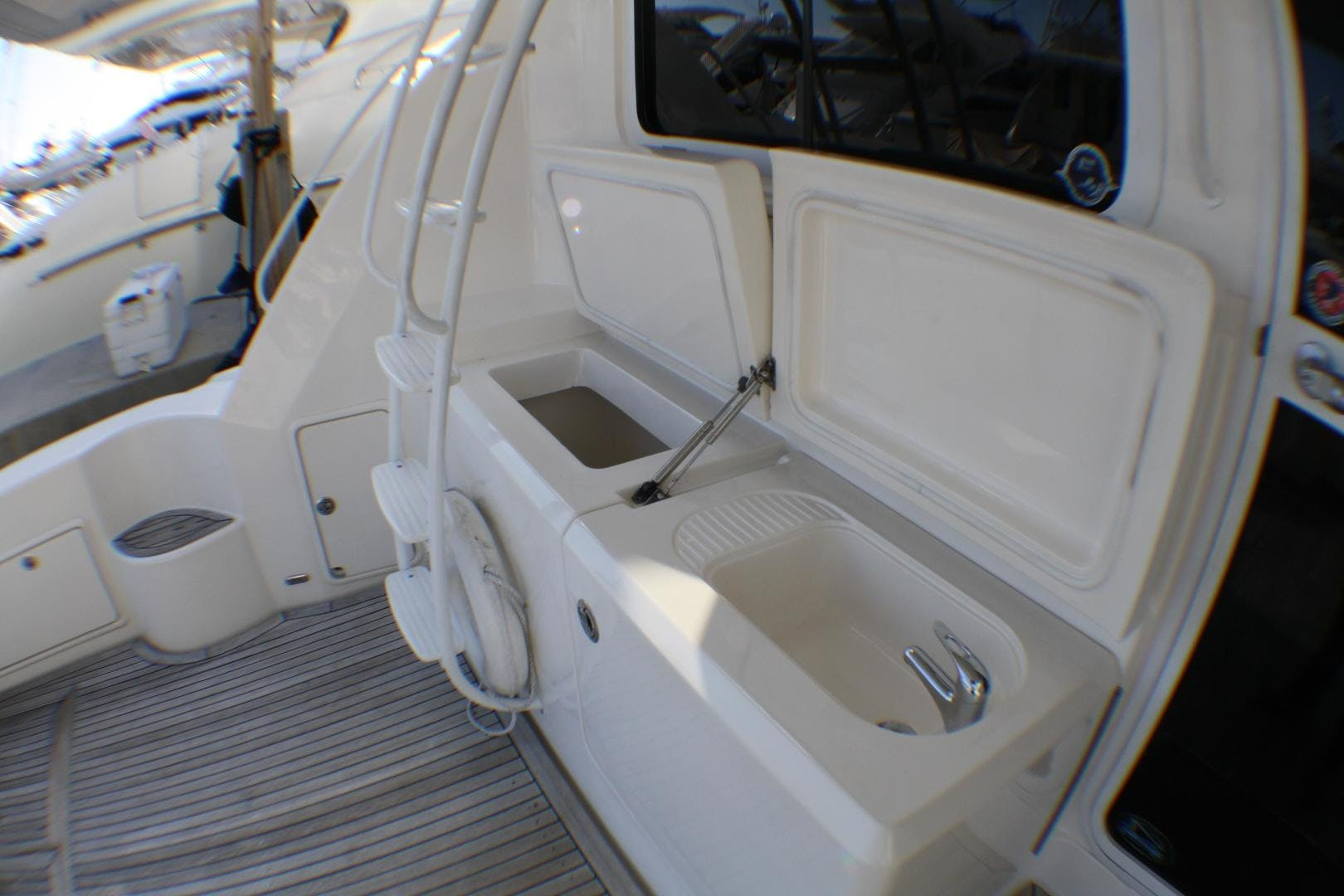 2007 Riviera 51' 51 CONVERTIBLE  | Picture 5 of 38