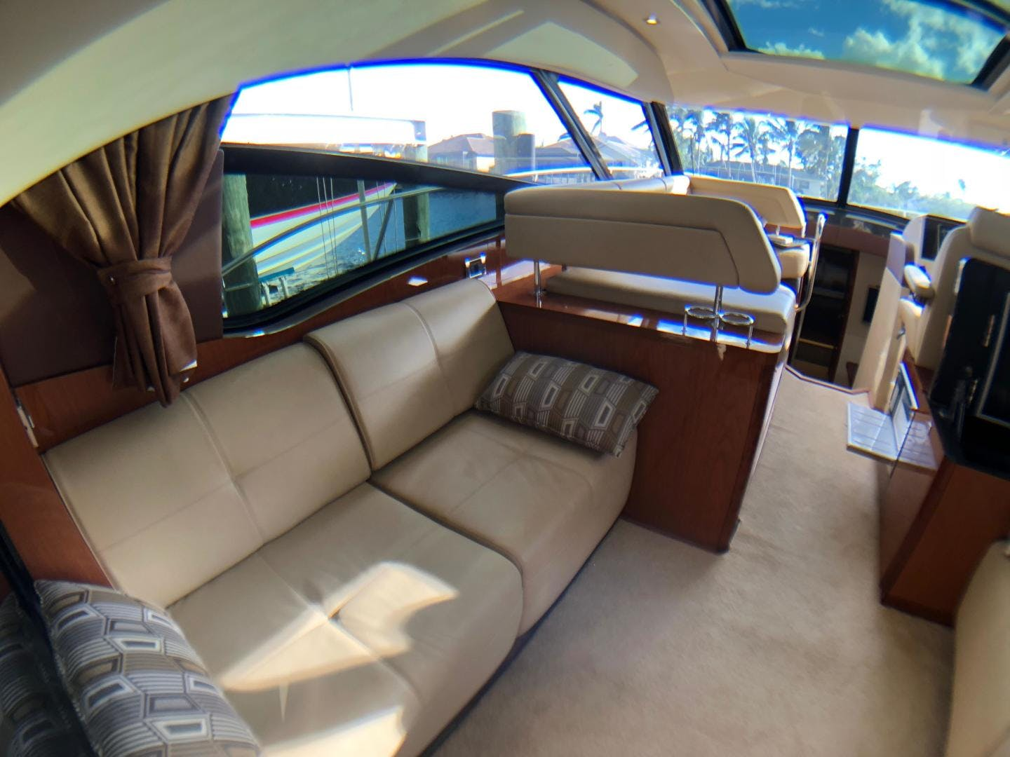 2015 Sea Ray 47' 470 Sundancer    Picture 6 of 124