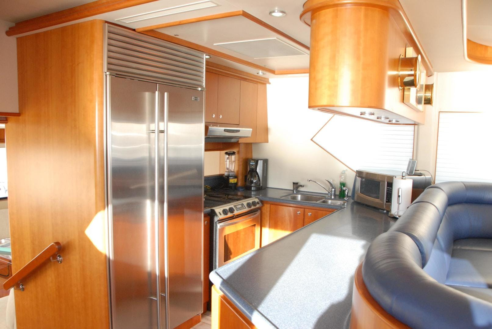 2003 West Bay 68' Sonship ROOM SERVICE | Picture 5 of 26