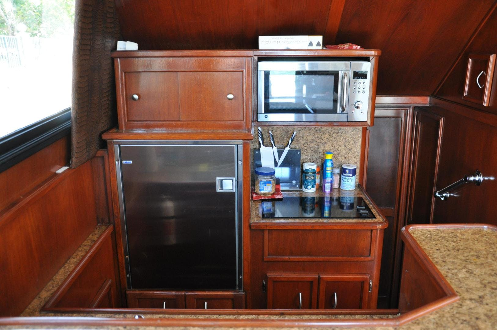 1987 Egg Harbor 38' Flybridge N/A | Picture 5 of 21