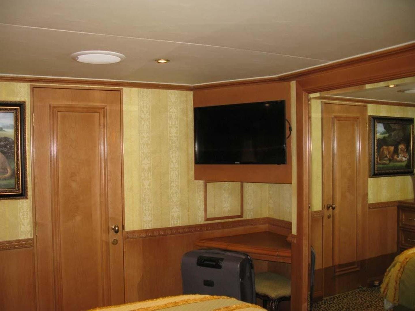 2001 Broward 118' Raised Pilothouse MY  | Picture 5 of 73