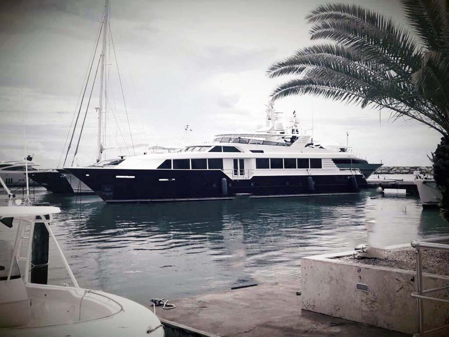 2001 Broward 118' Raised Pilothouse MY