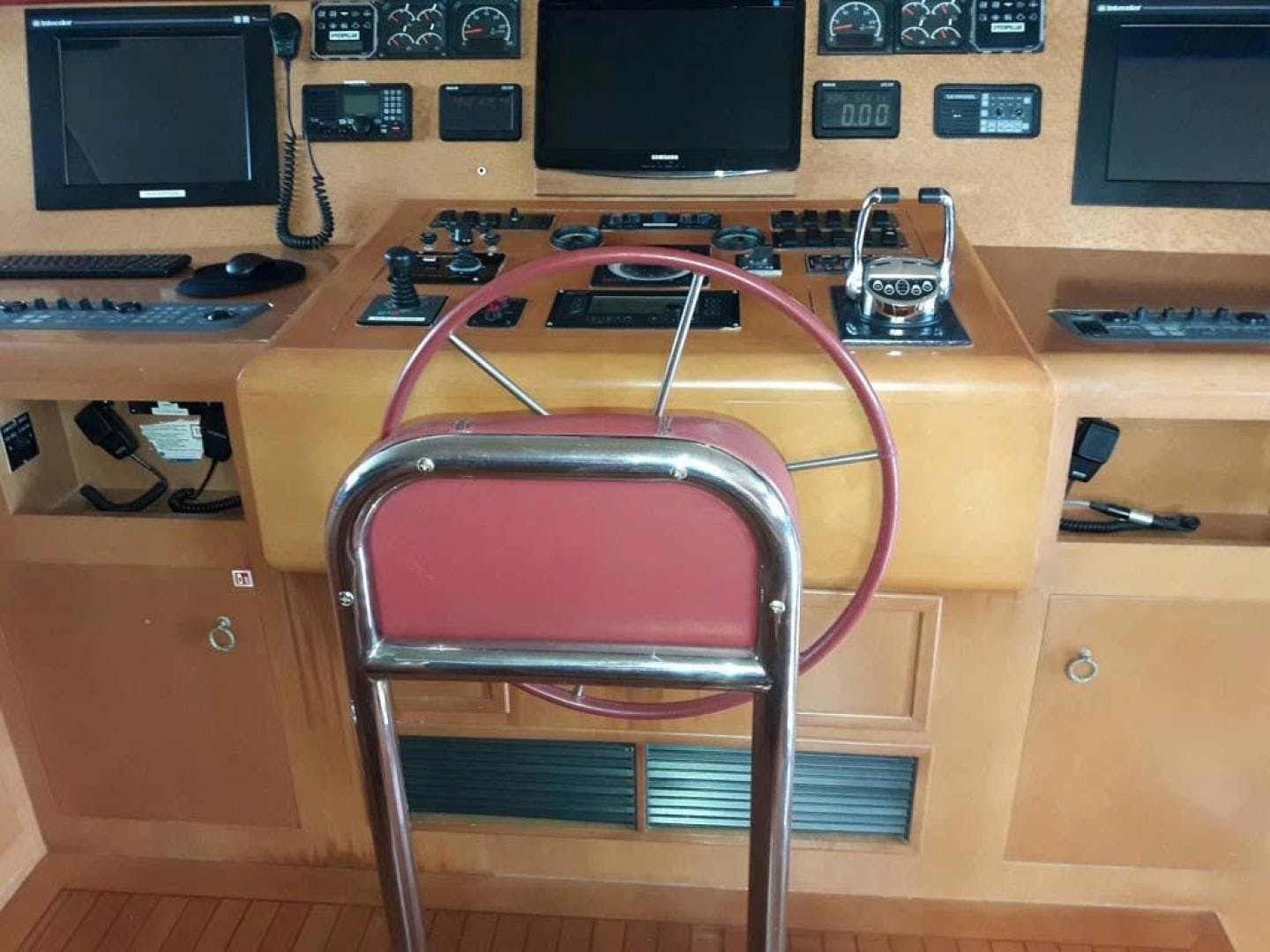 2001 Broward 118' Raised Pilothouse MY  | Picture 6 of 73