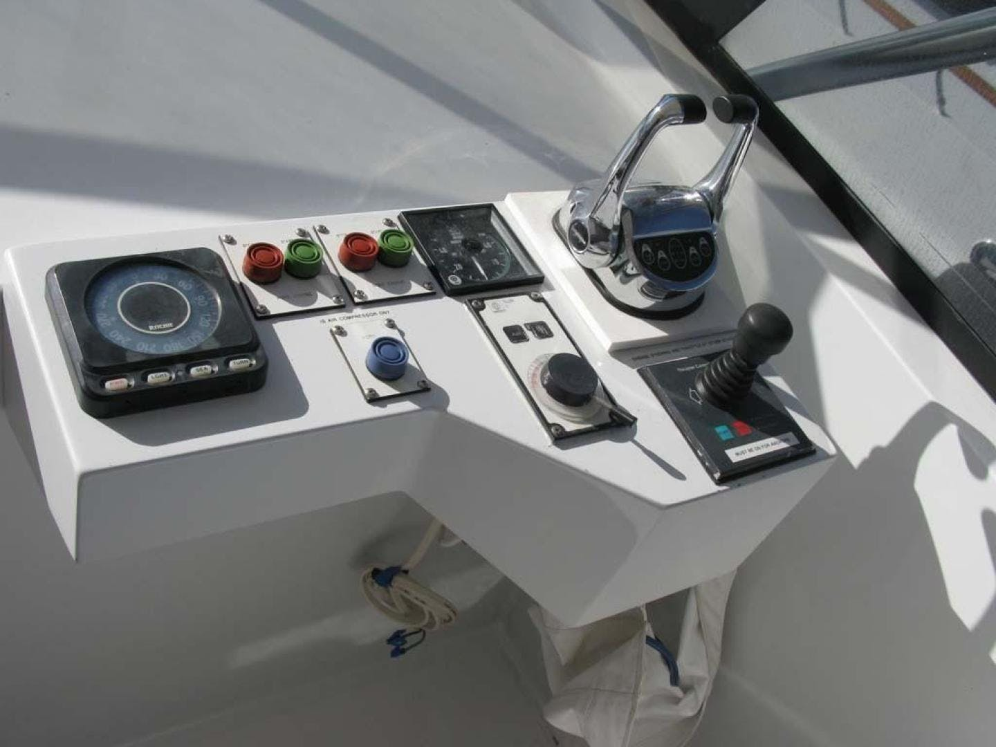 2001 Broward 118' Raised Pilothouse MY  | Picture 4 of 73