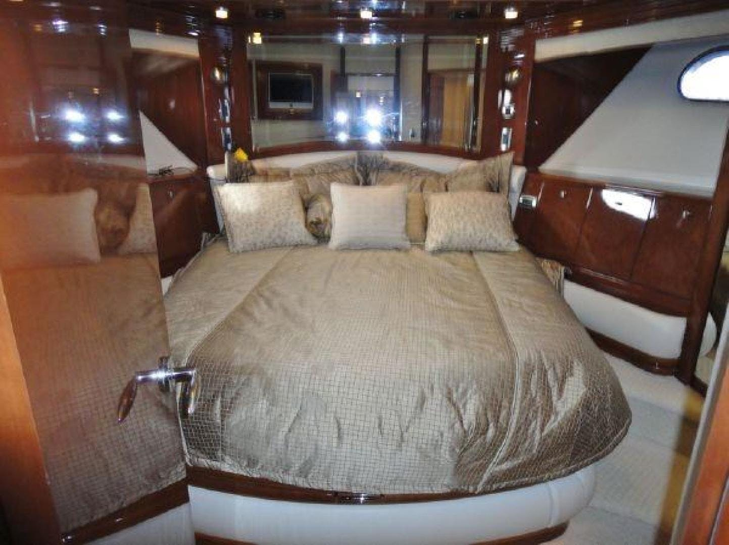 2008 Marquis 65' 65  | Picture 4 of 20