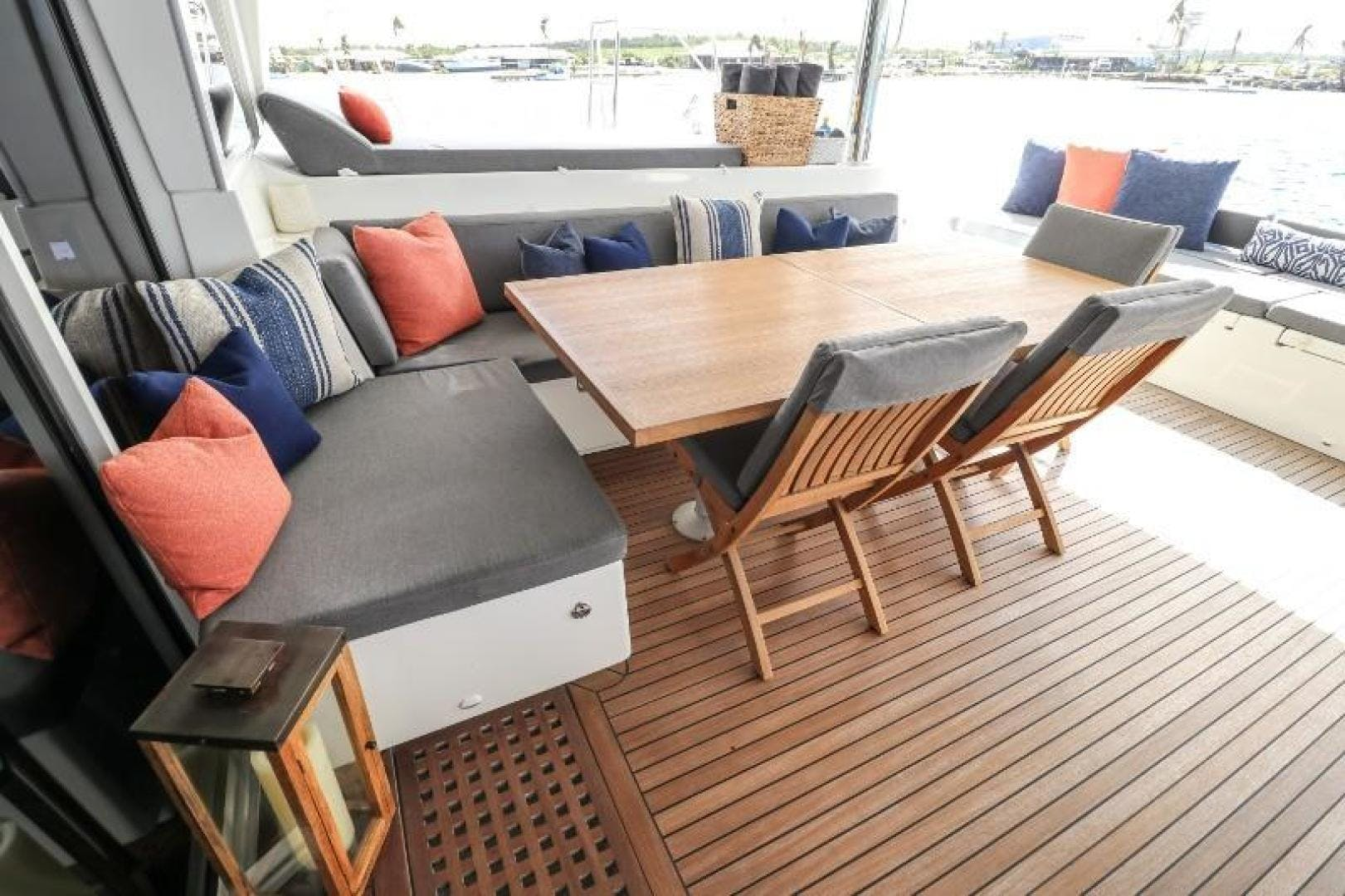 2010 Lagoon 62' 620 Lady Katlo   Picture 7 of 50