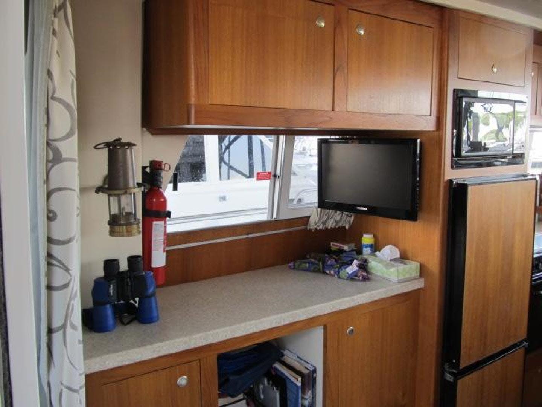 2001 Mainship 39' 390 Trawler Mutual Fun II   Picture 6 of 28
