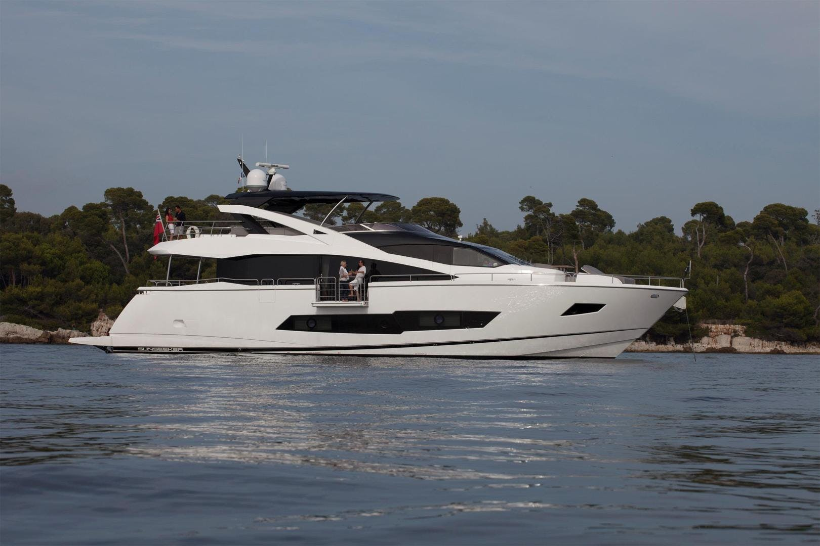 2014 Sunseeker 86' 86 Yacht  | Picture 5 of 6