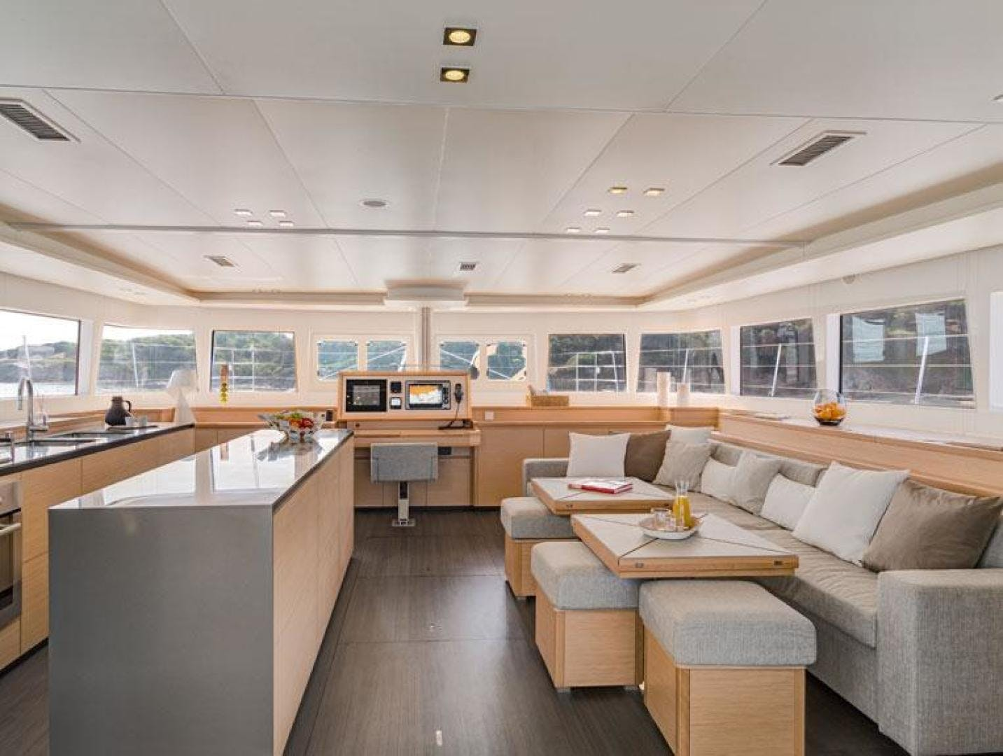 2015 Lagoon 62' 620 London Sky | Picture 6 of 29