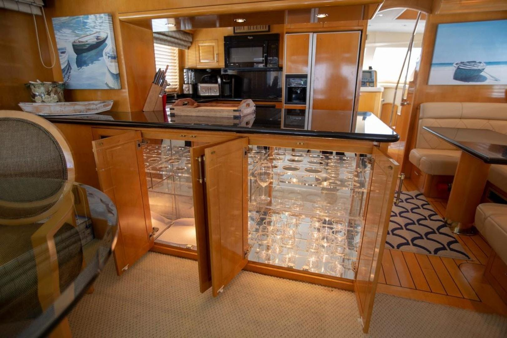 2000 Hatteras 75' Cockpit Motor Yacht Getaway | Picture 4 of 59