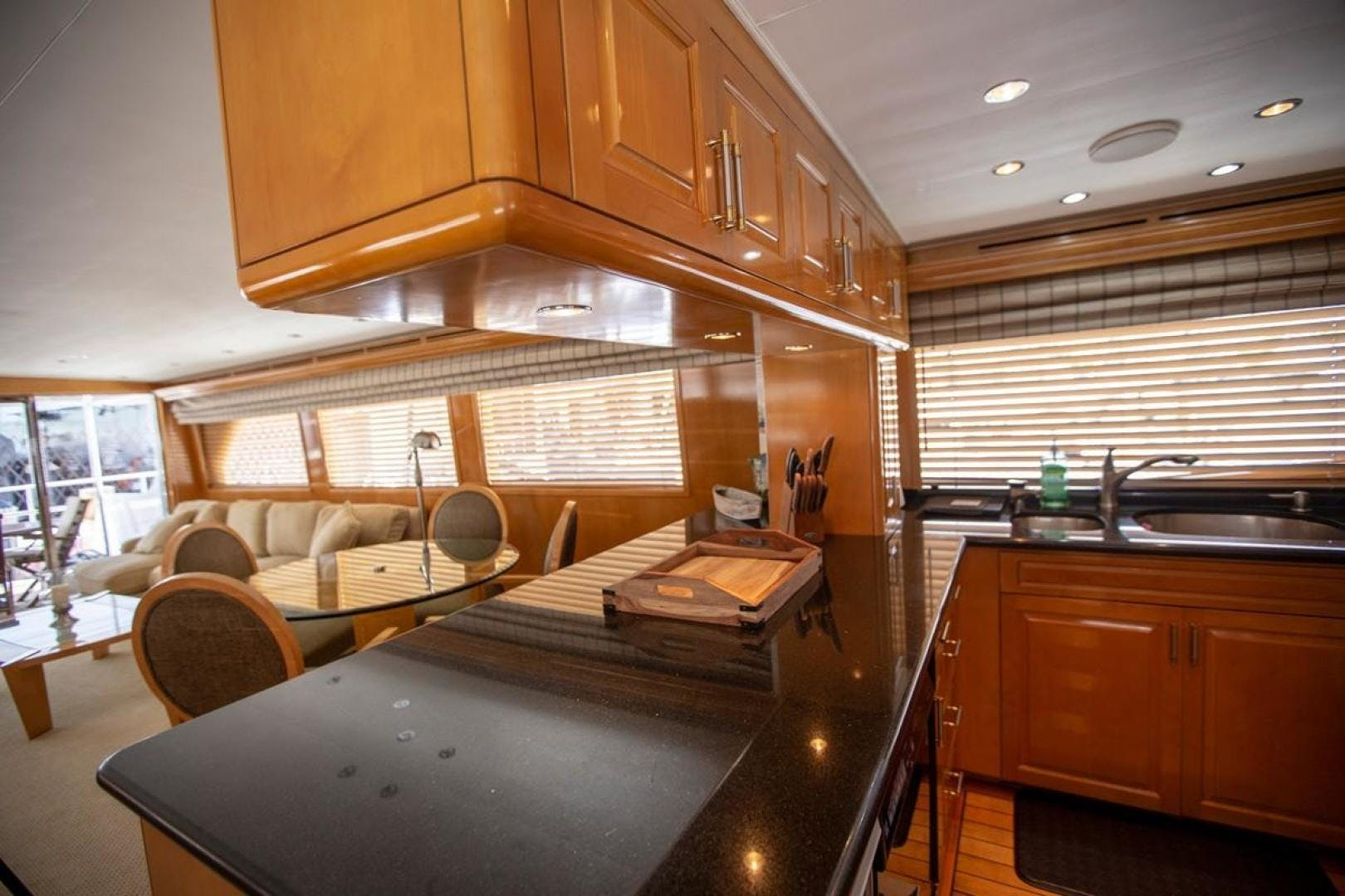 2000 Hatteras 75' Cockpit Motor Yacht Getaway | Picture 7 of 59